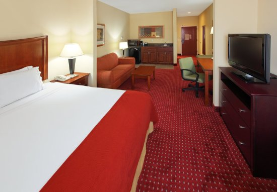 North Little Rock, AR: Suites are great for a long term stay or if you just need space