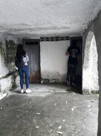 Medellin City Services: Exploring exclusively Pablo's private prison. Call now 57 311 341 3715 or book online www.medell