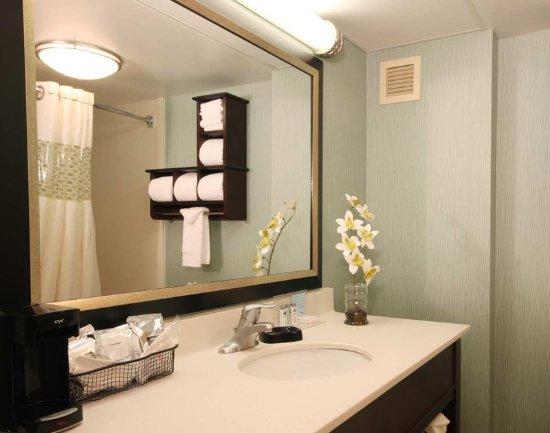 Dublin, OH: Guest Bathroom
