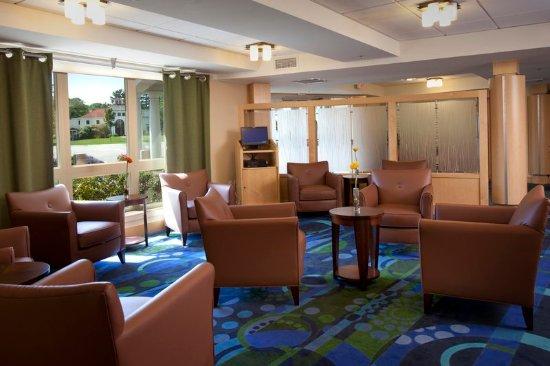Beverly, MA: Wylie Inn Lobby