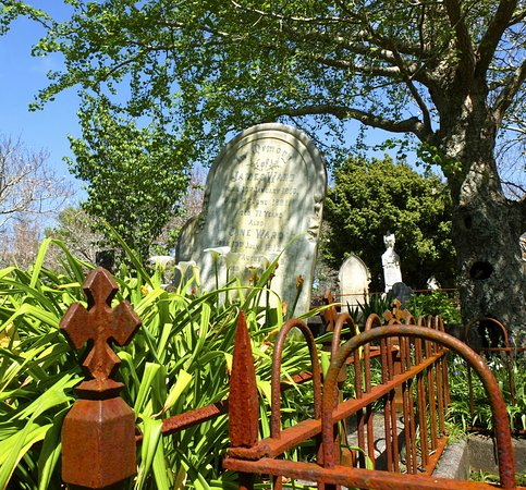 New Plymouth, Selandia Baru: Tombstone