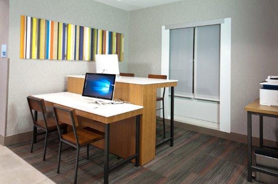 Scott, LA: Business Center