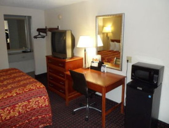 Miamisburg, OH: 1 King Bed Room