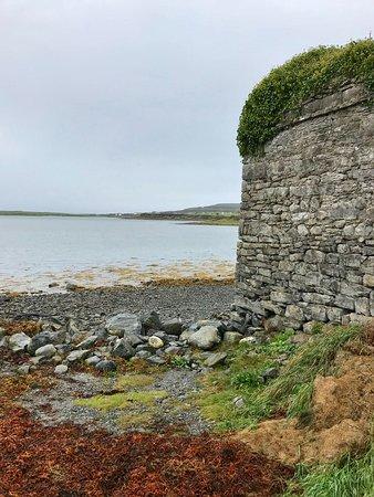 Corofin, ไอร์แลนด์: Ruin in Burren