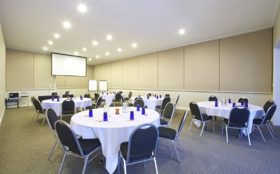 Meeting Room at Crowne Plaza Coogee Beach