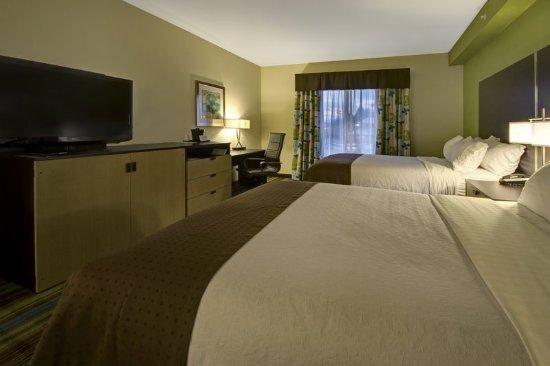 Christiansburg, VA: Double Queen Guest Room