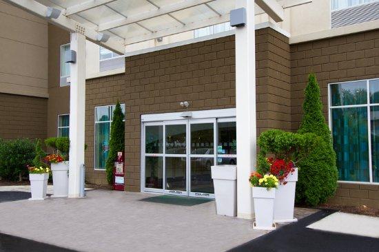 Christiansburg, VA: Hotel Entrance