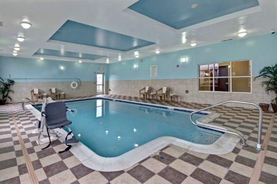 Holiday Inn Christiansburg Blacksburg: Indoor Salt water Pool