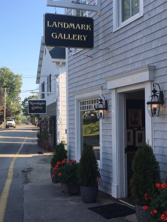 Kennebunkport, ME: Great shop and enjoyed talking to Harry about his work and the area. The art is wonderful and he