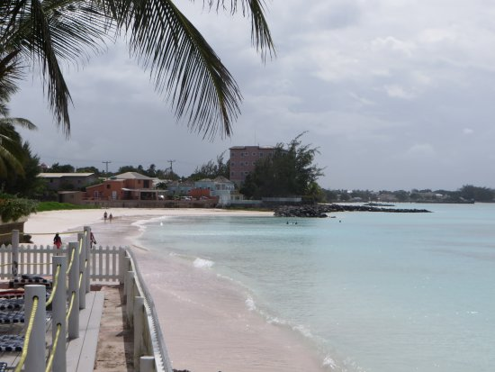 Butterfly Beach Hotel: Butterfly Beach: Beach Oistins side from terrace.