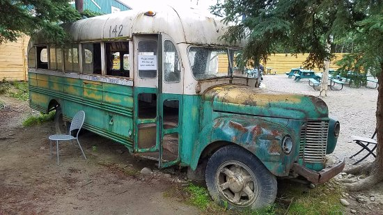 "Хили, Аляска: ""Into the Wild"" film replica bus"