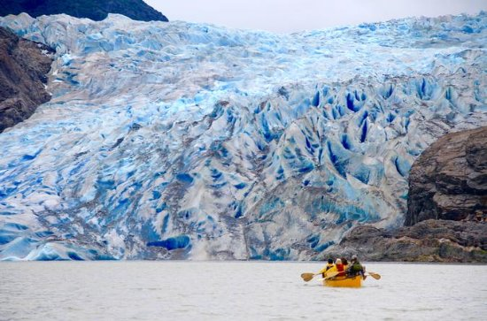 Juneau Shore Excursion: Mendenhall Glacier Canoe, Paddle, and Trek