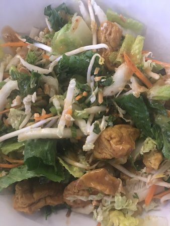 Brea, CA: Vegetarian Chinese salad sub tofu for chicken