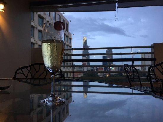 New World Saigon Hotel: enjoying all the lounge has to offer