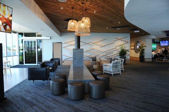 West Lakes, Austrália: Newly renovated Lakes bar
