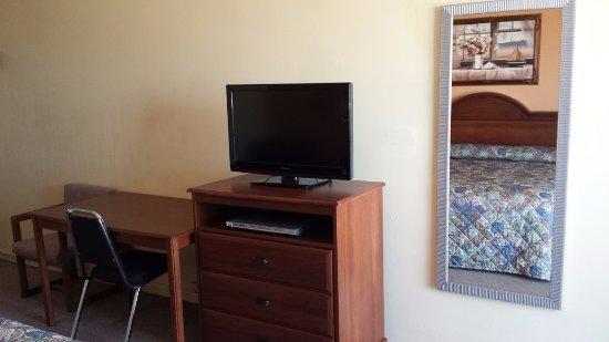 Hamel, IL : Room Amenity
