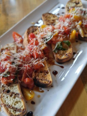 Flatbread Neopolitan Pizzeria: Heirloom Bruschetta