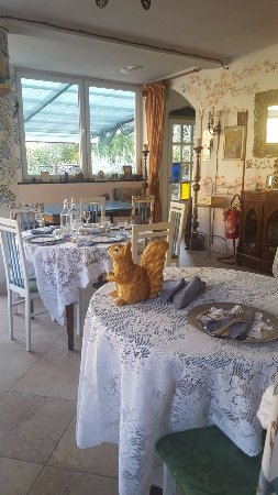 Pornassio, Italia: Ambiente originale ed accogliente