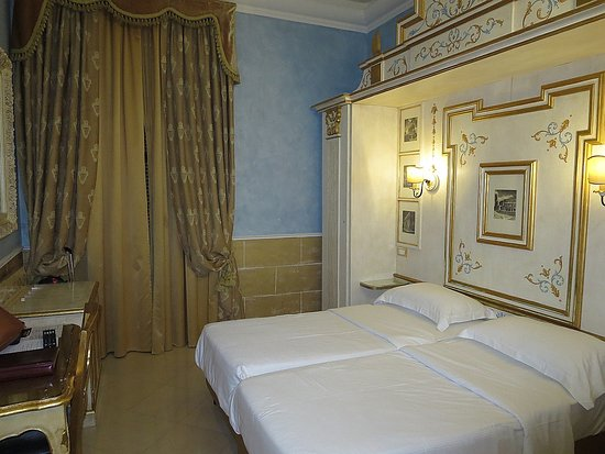 Hotel Romanico Palace: bedroom