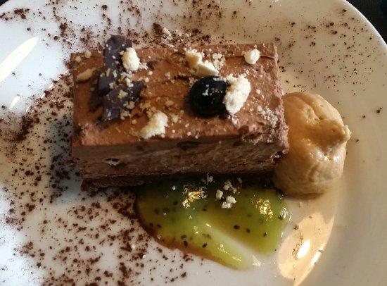 Cancon, France : croustillant de chocolat en dessert