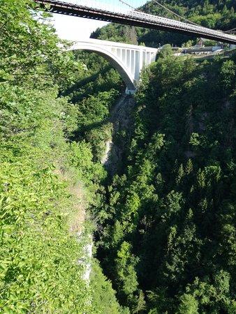 Cruseilles, Frankrig: vue de la passerelle