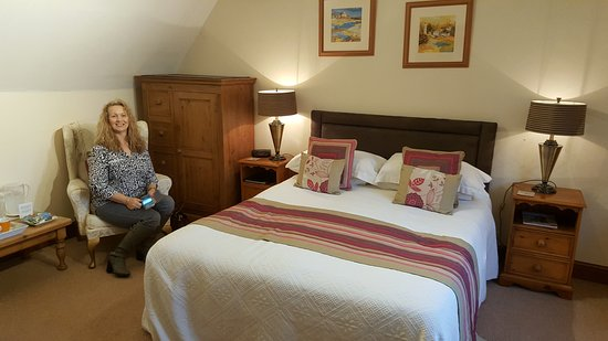 Munslow, UK: The Crown Country Inn