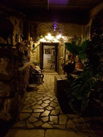 Vittoria, Ιταλία: ingresso interno del locale