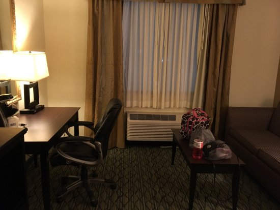 Holiday Inn Express & Suites Columbus Airport: photo8.jpg