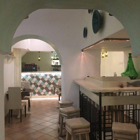 Sala interna con cucina a vista - Picture of Trattoria dei Mori ...