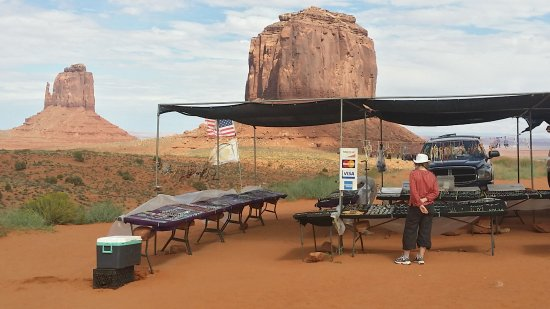 Monument Valley Navajo Park: Visa card !!! pas fous les indiens.