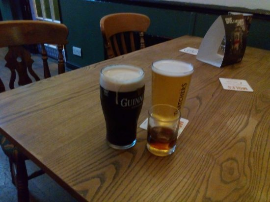 Bridgwater, UK: A selection of drinks available. Guinness, Cider and Kraken.