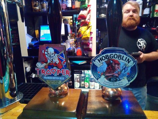 Bridgwater, UK: Two of the guest ales recently on.