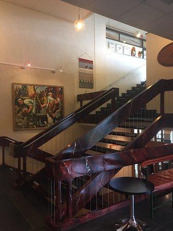 Ronneberga : Konst och loungehallen i huvudbyggnaden