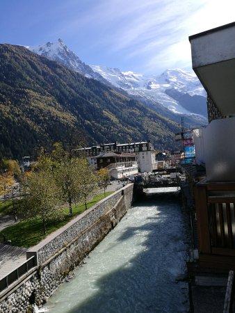 Hotel de l'Arve: très jolie vue de notre balcon
