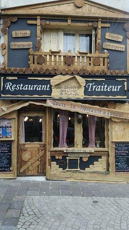 Longue-Jumelles, France: Restaurant à 50 m de la mairie (centre ville)