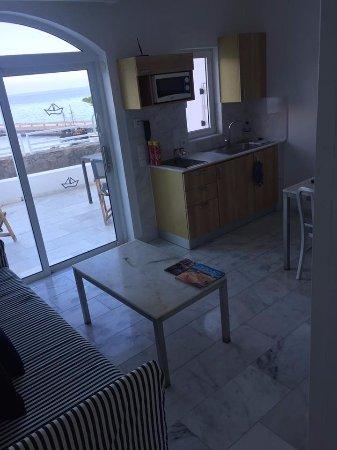 Marina Bayview: living area