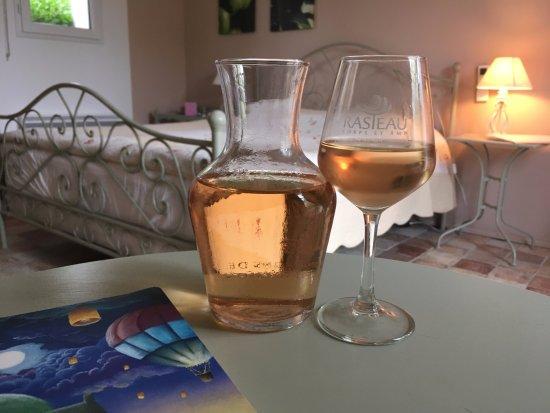 Seguret, France: Happy Hour