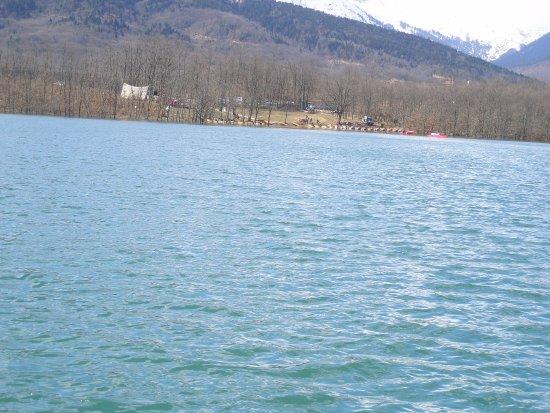 Krioneri, Grèce : μέσα από τη λίμνη