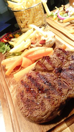 Holt, UK: steak & Red Fridays