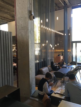 Palais de Tokyo: Restaurante excelente se quer paz e está na região Trocadero ou Alma-manceau