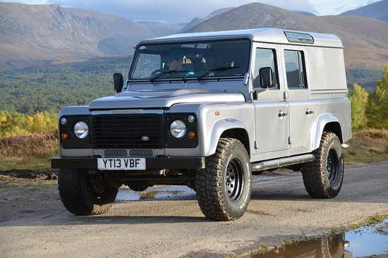 Boat of Garten, UK: Hire a Defender and explore the stunning Cairngorm National Park