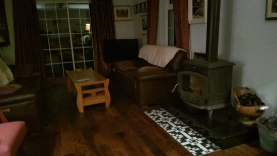 An Bruachan: sitting room