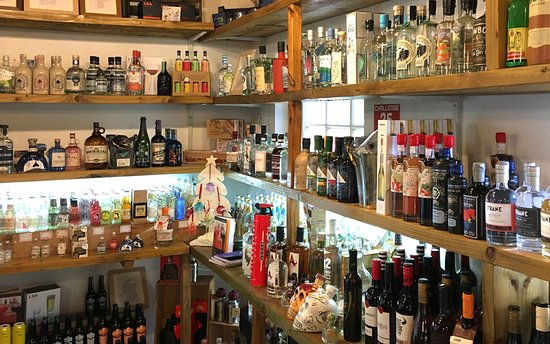 Evanton, UK: Gin selection at the Storehouse