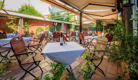 Terraza Con Toldos Picture Of Restaurante Jardines De