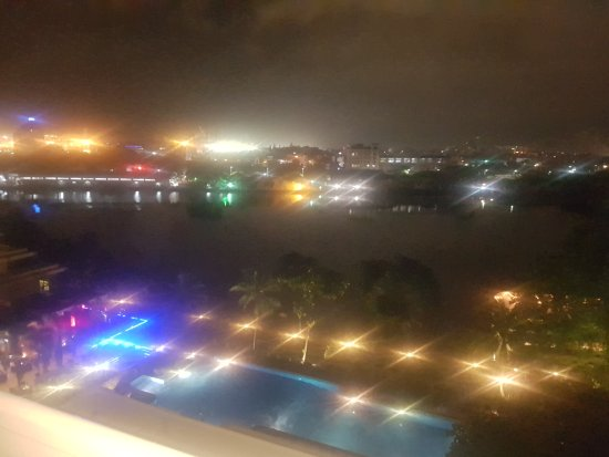 Cinnamon Lakeside Colombo: TA_IMG_20171014_193640_large.jpg