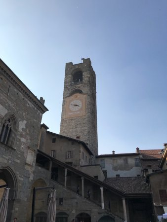 Piazza Vecchia : photo0.jpg