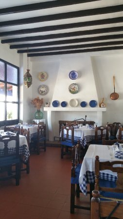 Salon comedor - Picture of Restaurante Aprisco, Puerto Lapice ...