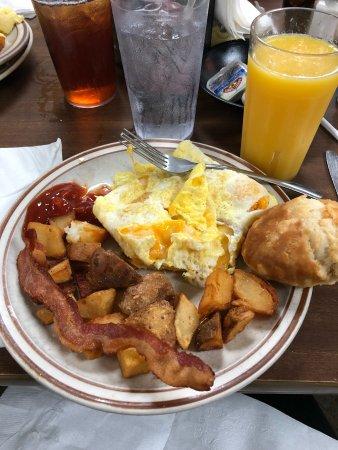 Hoskins Restaurant : Great breakfast!