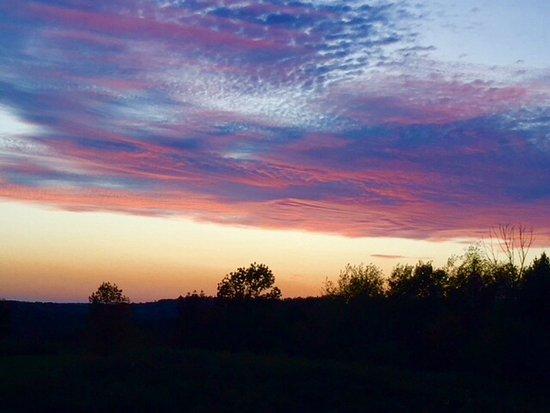 Uxbridge, Kanada: Beautiful Sunsets in October bring snow in November