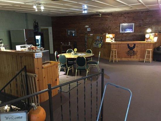 Eagle River, WI: lobby